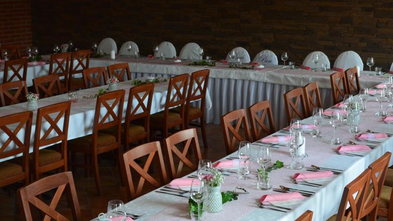 Svatební tabule na salonku č. 4 Hotel Tři Věžičky